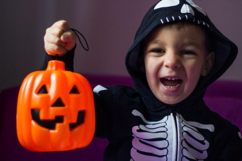 Kostium kościotrupa na Halloween