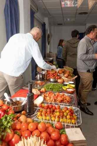 Gala-gastronomia-solidaria-novaterra-cena-sentidos-tomates-2