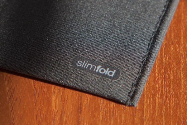 SlimFold small branding print on inner right wallet panel