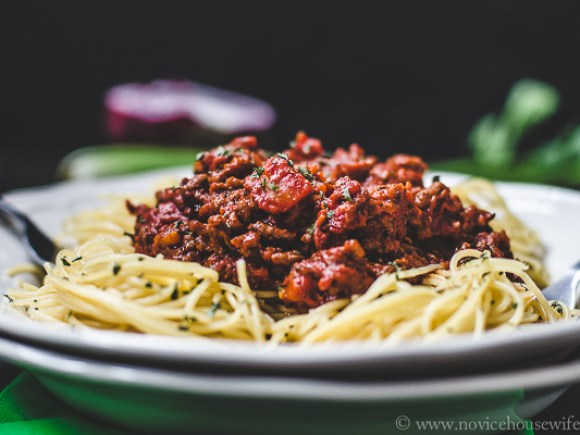 how to cook spaghetti sauce with milk