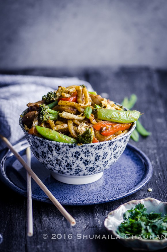 Yellow curry stir fry noodles