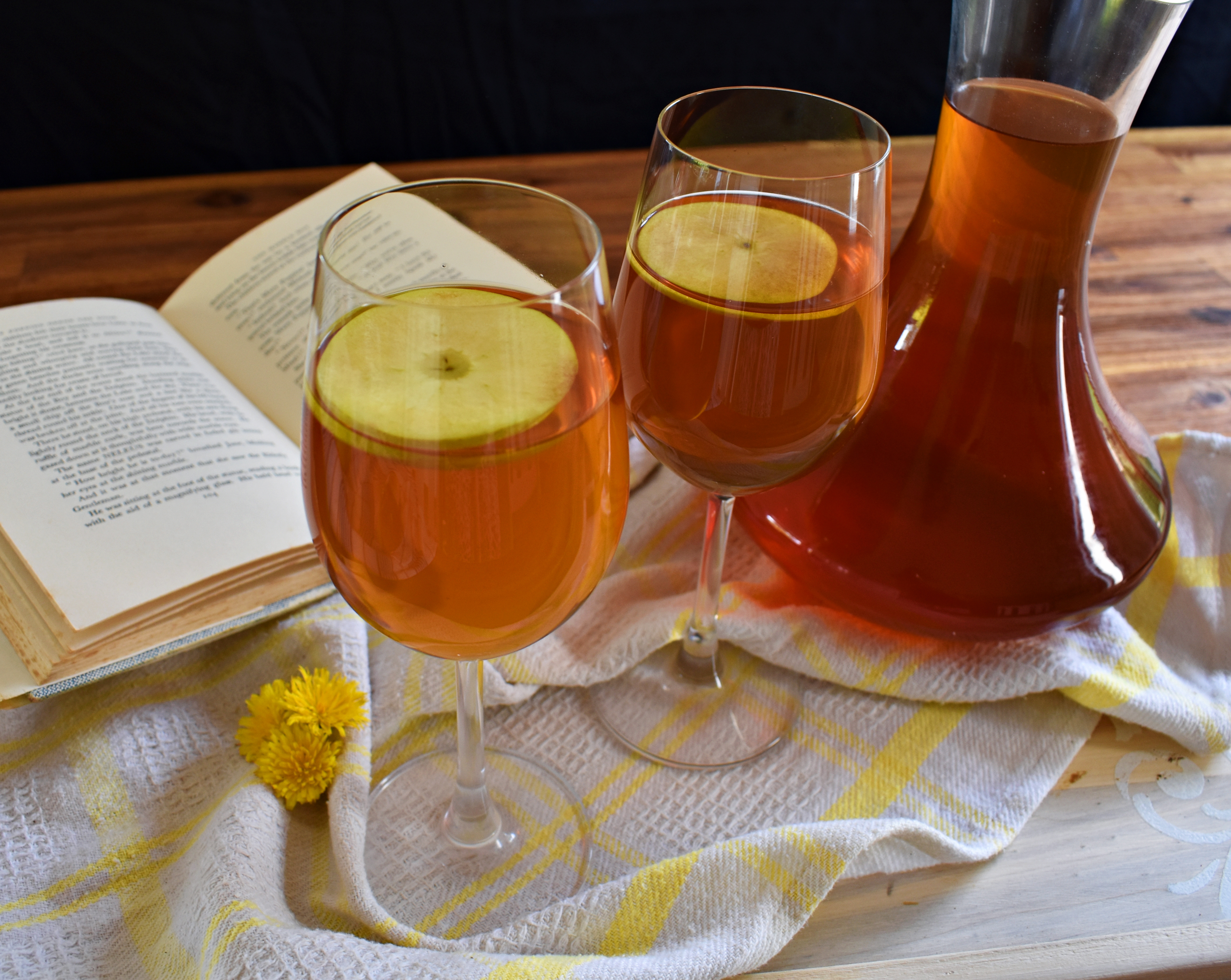 Spiked Ginger and Apple Iced Tea