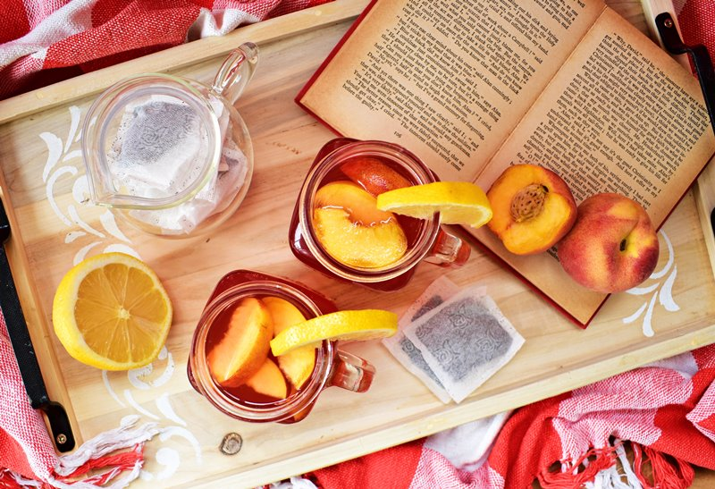 Spiked Lemon and Peach Iced Tea