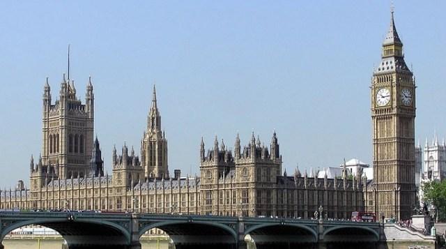 Britanski poslanici glasali za legalizaciju istopolnih brakova u Severnoj Irskoj