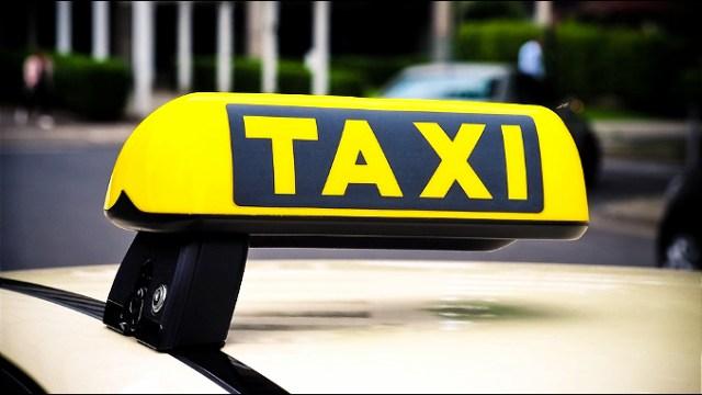 Taksisti ipak i danas protestuju