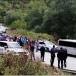 Kad Vučić obeća: Nastavljena izgradnja MHE, građani blokirali put Brus-Kopaonik. Policija čuva investitore i obezbeđenje