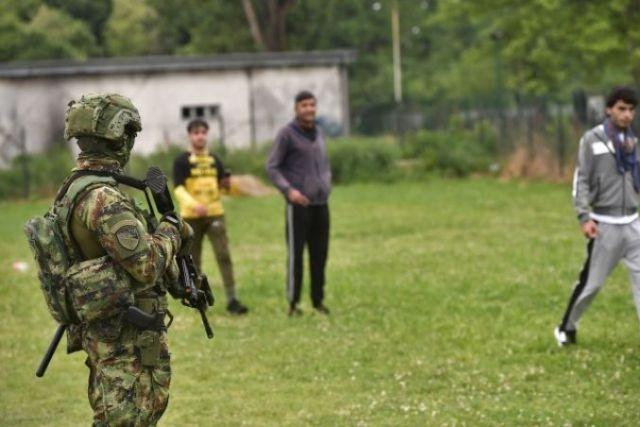 Šid: Vojska već intervenisala, uhapšeno 18 migranata