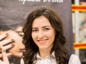 Татьяна Рейтаровская - специалист с маникюра и наращивания ногтей