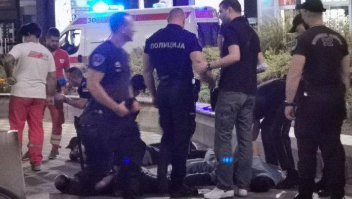 PRAVE OD SRBIJE KLAONICU: Migranti se potukli u centru Beograda, sevali noževi! 1