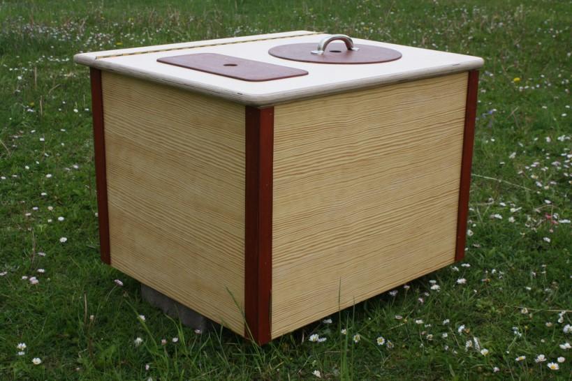 Modell 'Die Bunte' - Komposttoilette für Zuhause - rot