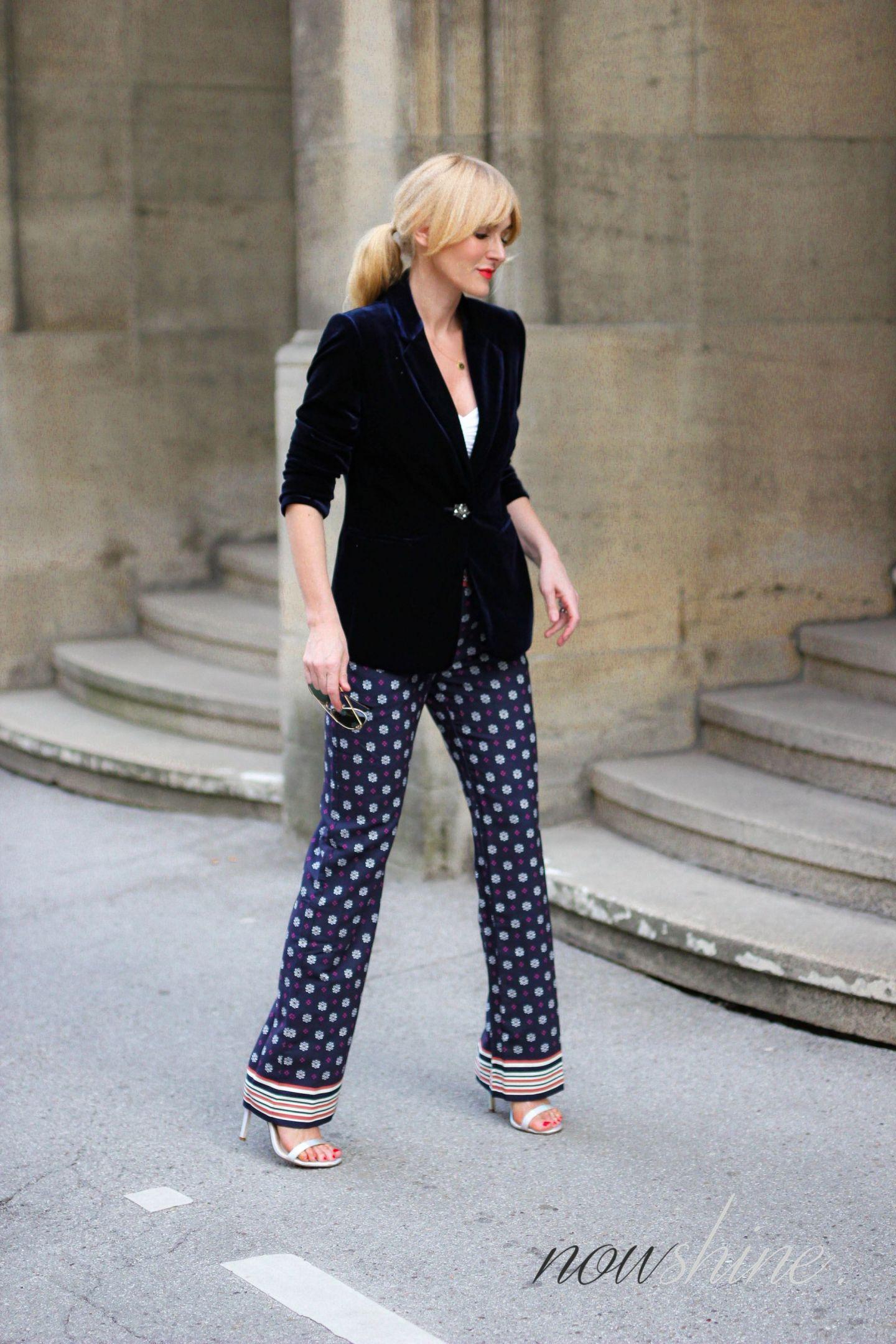 Nowshine trägt saphirfarbenen Samtblazer zur Hose im Pyjama-Look vom Versandhaus WENZ - Nowshine ü40 Fashion Blog