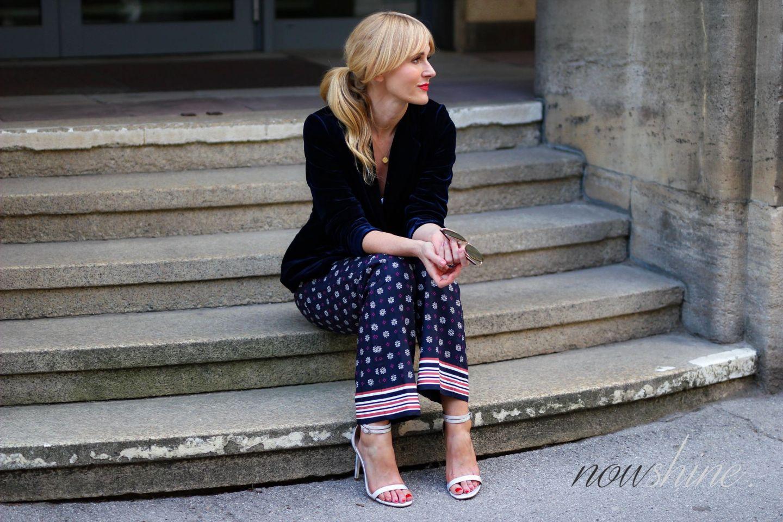 Saphirfarbener Samtblazer zur Hose im Pyjama-Look - WENZ - Nowshine ü40 Fashion, Beauty und Lifestyle