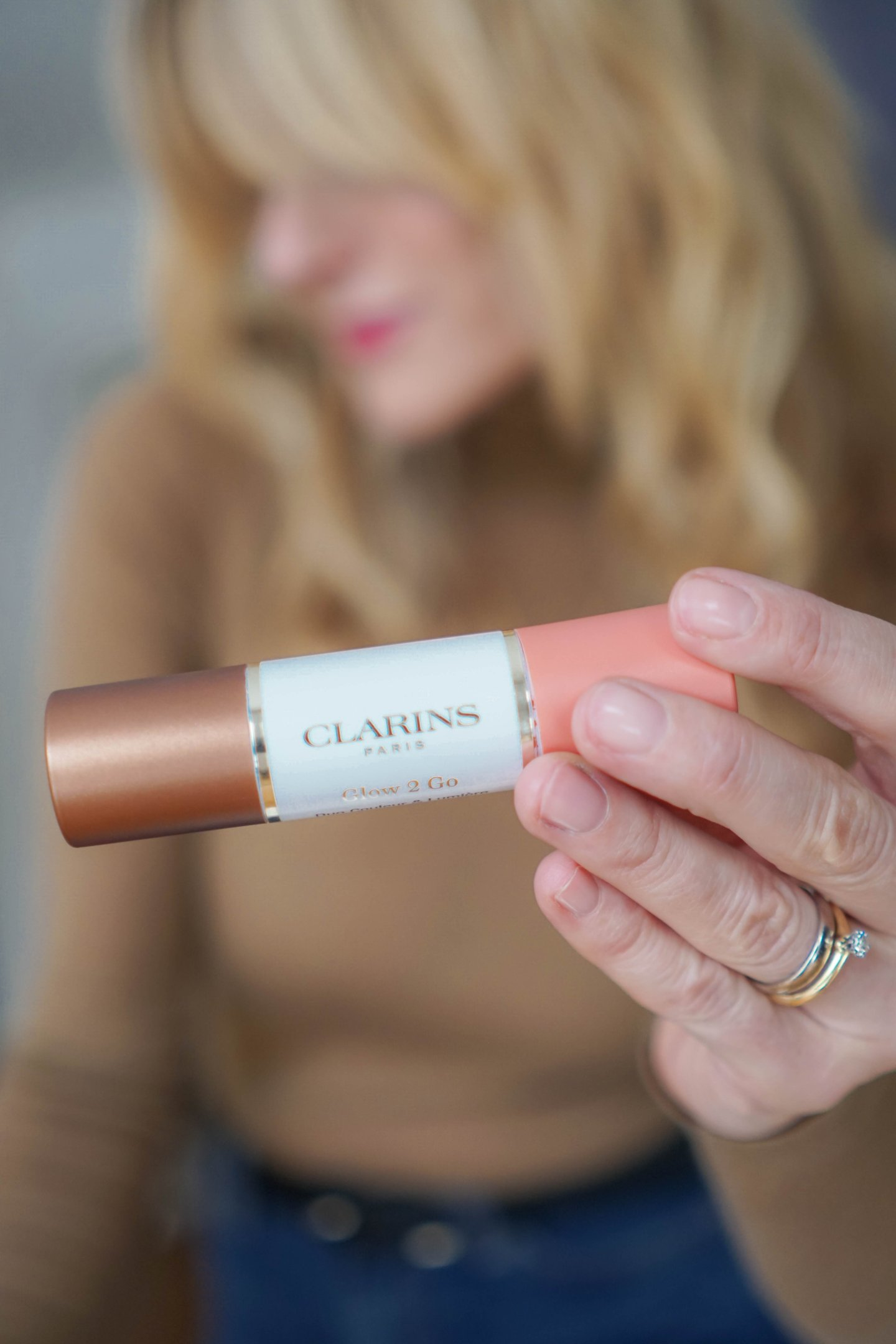 Glowy Skin-Soft Contour-Clarins Glow to Go Review-Makeup Tutorial-Nowshine Beauty Blog
