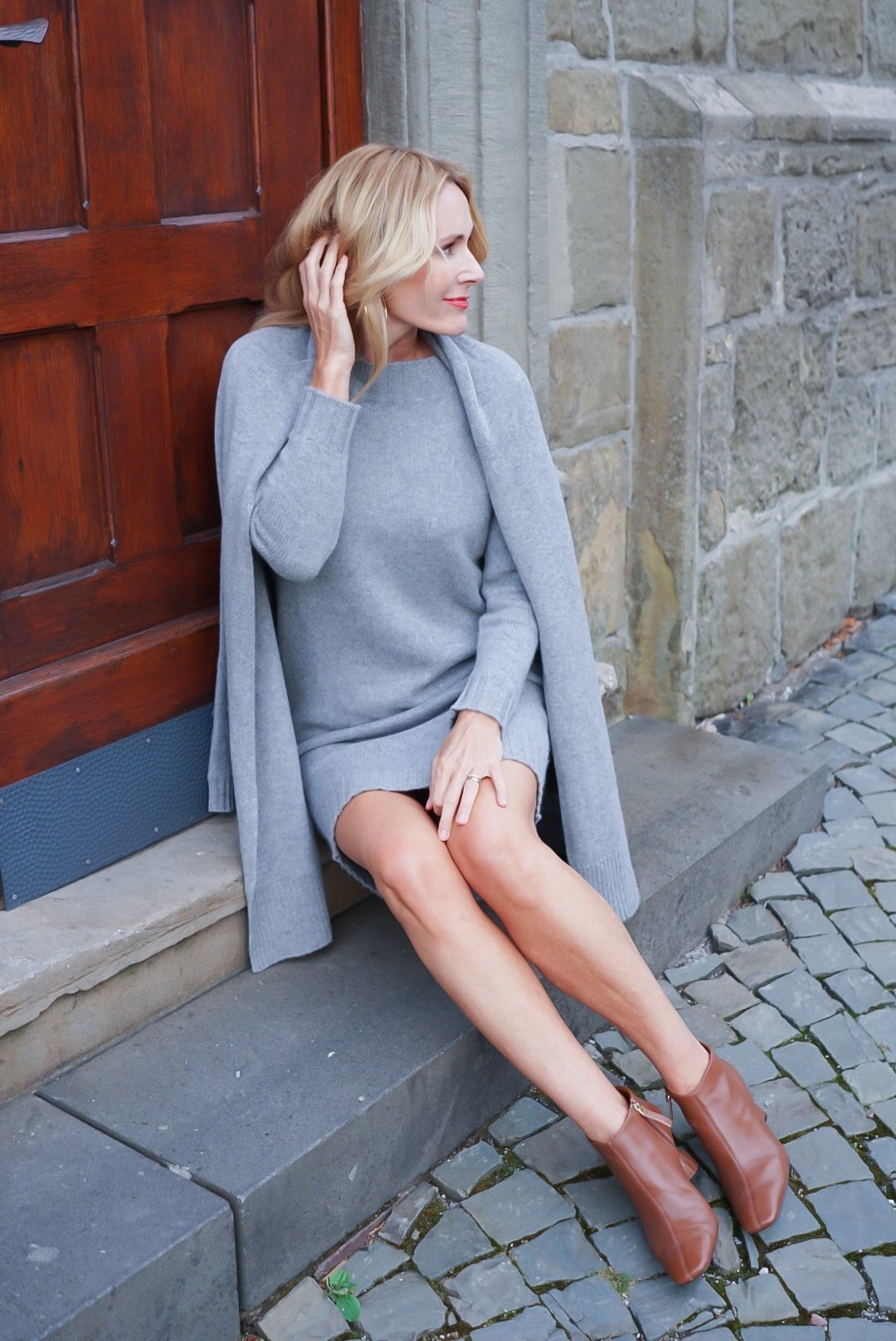 Ü40-Mode-Blog-Strickkleid-Include-Grau-Strickjacke-Include-Grau