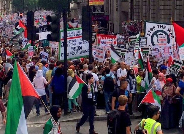 https://i1.wp.com/www.nowtheendbegins.com/blog/wp-content/uploads/2014/07/tens-of-thousands-march-in-london-against-israel-gaza-hamas-free-palestine.jpg