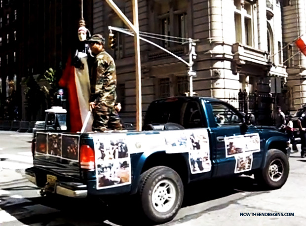 muslim-day-parade-nyc-islam-isis-women-in-noose-beheading
