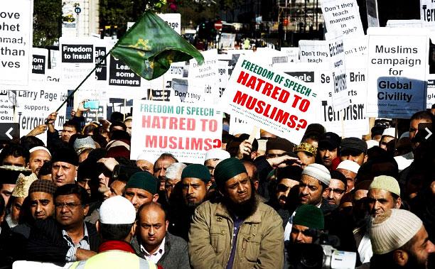 10,000 Muslims Storm Google Offices In London Demanding Anti-Muslim Movie Stopped