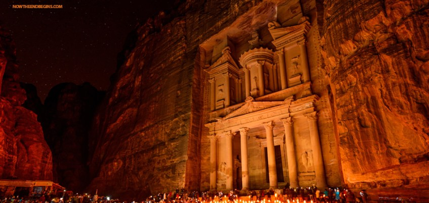 red-rock-city-selah-petra-real-meaning-jordan-bible-prophecy-wadi-musa