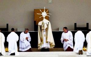pope-francis-declares-fatima-children-saints-rosary