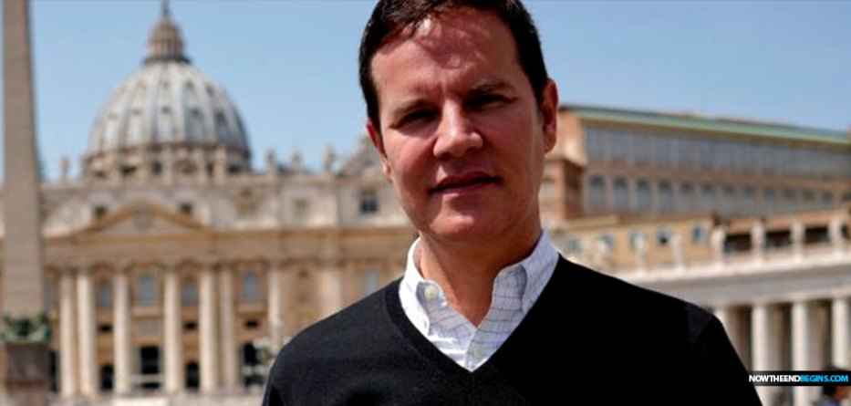 pope-francis-tells-catholic-priest-rape-victim-Juan-Carlos-Cruz-gay-OK-vatican-lgbtq