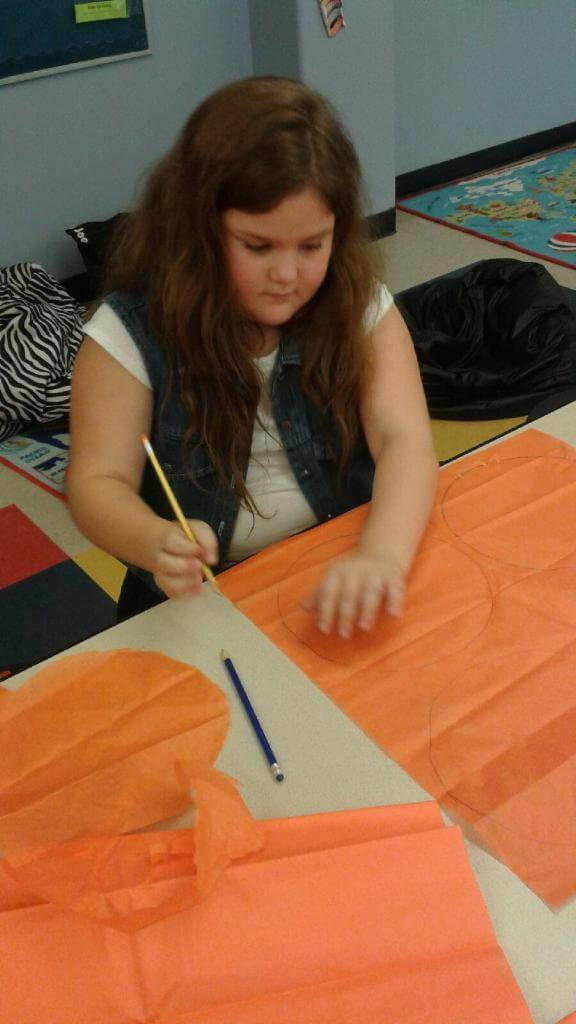 halloween_crafts_tissue_paper_pumpkins