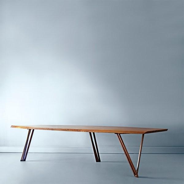 Spisebord i valnød type Noyer
