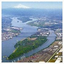 Hayden Island neighborhood in the Columbia River, aerial view