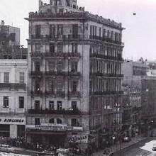Photo of Μέγαρο Γιάνναρου, το πρώτο κτήριο απο οπλισμένο σκυρόδεμα που έδωσε αφορμή για το πρώτο διάταγμα περί υψών στην Αθήνα