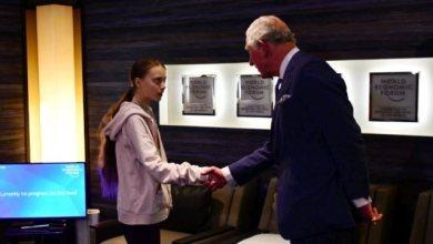 Photo of Ο πρίγκιπας Κάρολος συναντά την Γκρέτα Τούνμπεργκ στο Νταβός