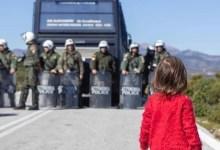 Photo of Λέσβος: Η σοκαριστική φωτογραφία από τα σημερινά επεισόδια