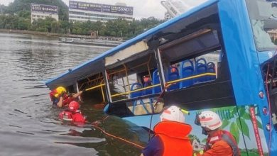 Photo of Σοκαριστικό βίντεο: 21 νεκροί όταν λεωφορείο με μαθητές στην Κίνα «φουντάρει» απο γέφυρα