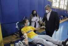 Photo of Σάλος με Πατούλη: Πήγε στον Σκάι και σε αιμοδοσία της ΑΕΚ ενώ ήξερε ότι είχε έρθει σε επαφή με κρούσμα κορονοϊού