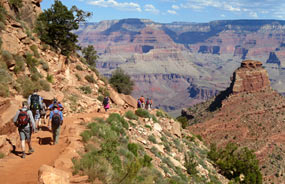 Hikers descending South Kaibab Trail