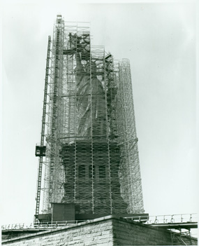 https://i1.wp.com/www.nps.gov/stli/historyculture/images/Statue-Scaffolding-Copy.jpg