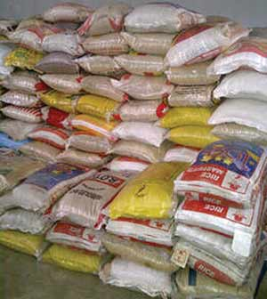 Nigeria Customs Service Donates 300 Bags of Rice to IDPs in Abuja