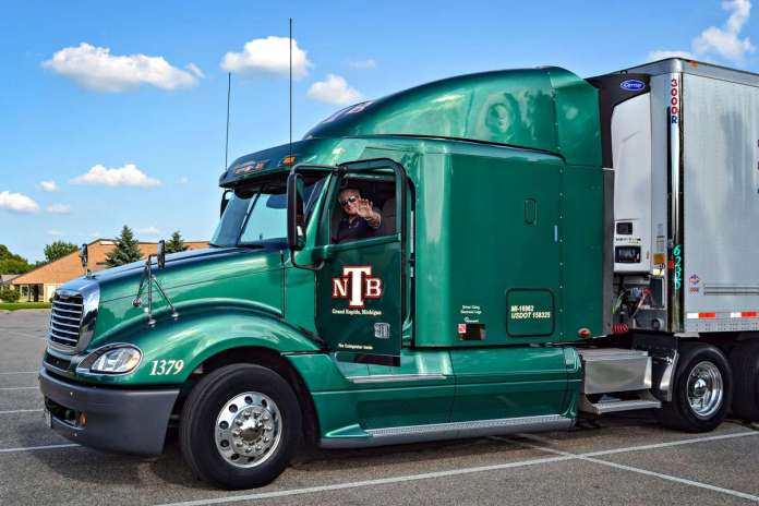 Are There Truck Driving Jobs Near Me