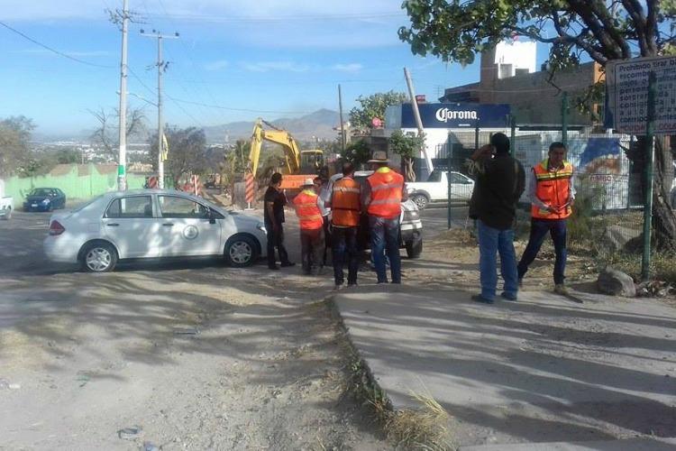EQUIPAMIENTO. En la zona ya hay excavadoras y otros automotores para continuar con el proyecto. (Foto: Cortesía)