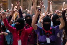 mujeres_zapatistas02