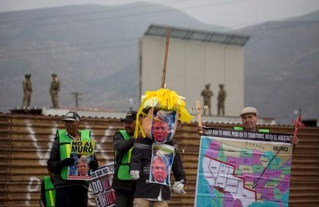 Trump_Muro_fronterizo-1