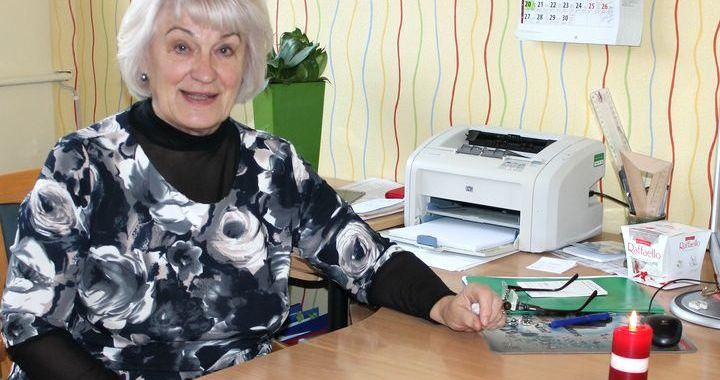 """Apbalvotā engurniece, skolotāja Inta Jurēvica: """"Vairāk ar sirdi jāstrādā!"""""""
