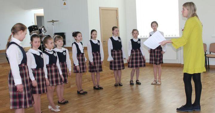 Izskanējis Kandavas novada skolu koru un vokālo ansambļus konkurss /FOTO/