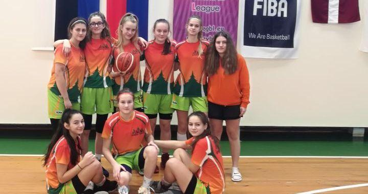 Tukuma jaunās basketbolistes starptautiskajos turnīros guvušas pieredzi