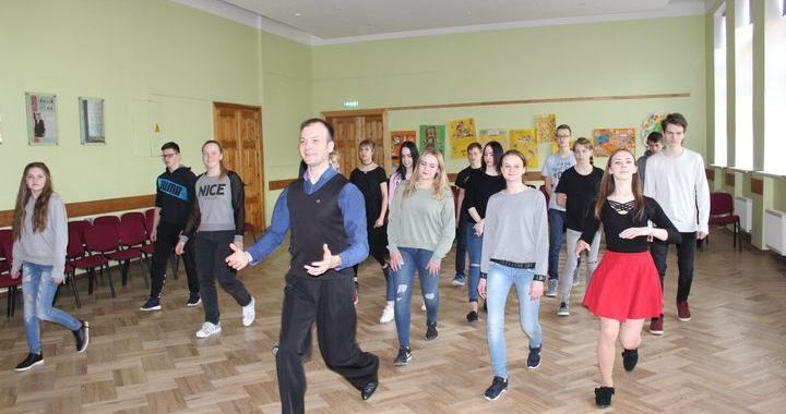 Sporta un veselības diena Jaunpils skolā /FOTO/