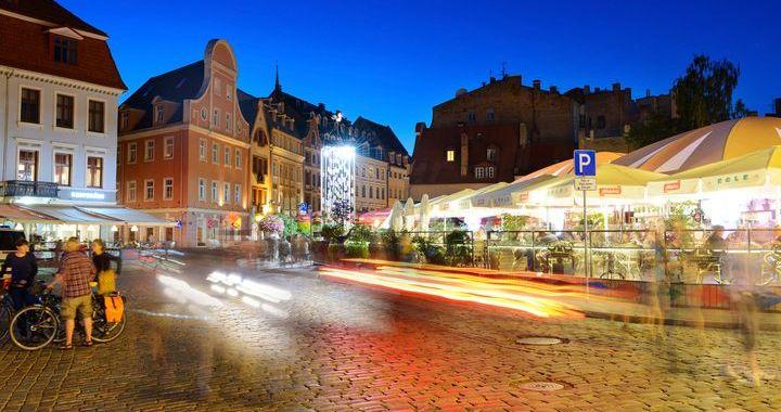 Kā izklaidēties un atpūsties, ja brīvdienās nav vēlmes braukt ārpus Rīgas