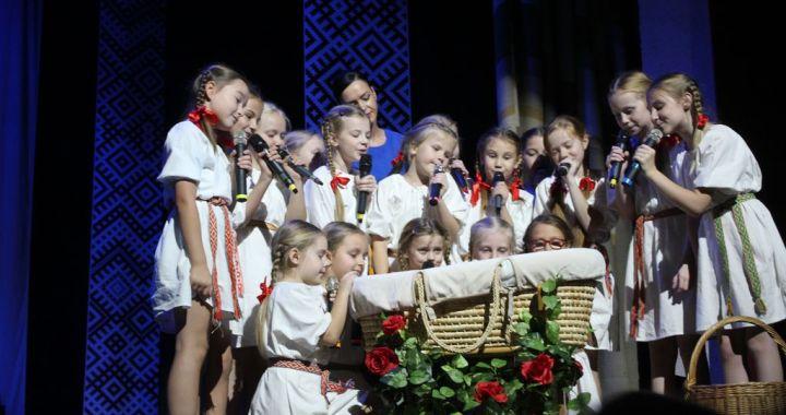 Valsts svētkos Smārdē, Kandavā un Tukumā