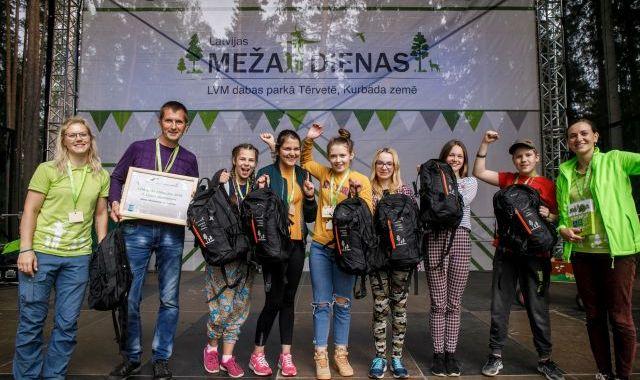 Irlavas pamatskolas komanda sīvā konkurencē izcīna uzvaru LVM Meža olimpiādē