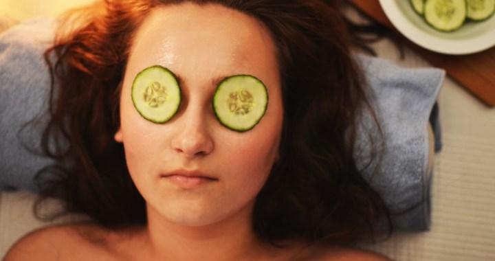 Ieradumi, kas palīdzēs saglabāt veselīgu un mirdzošu sejas ādu