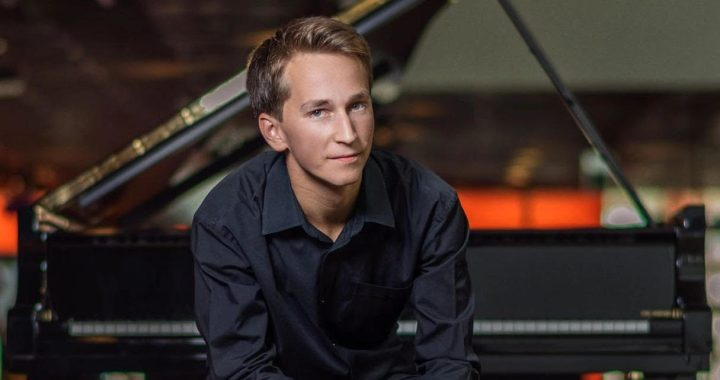 Tiešsaistes koncertā šovakar – arī talantīgā tukumnieka Daumanta Liepiņa klavierspēle