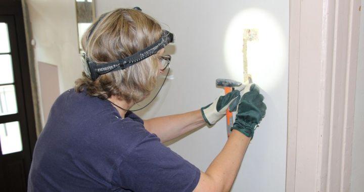 Eksperti Tukumā izpētījuši mākslas skolas telpas