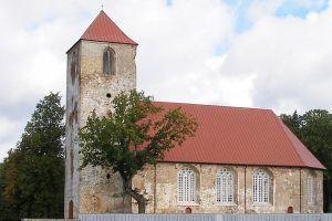 Dibina biedrību Lestenes baznīcas, Brāļu kapu un muzeja attīstībai